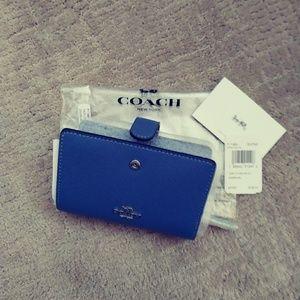 Coach Med Corner Zip Wallet : Style F11484 SVON8